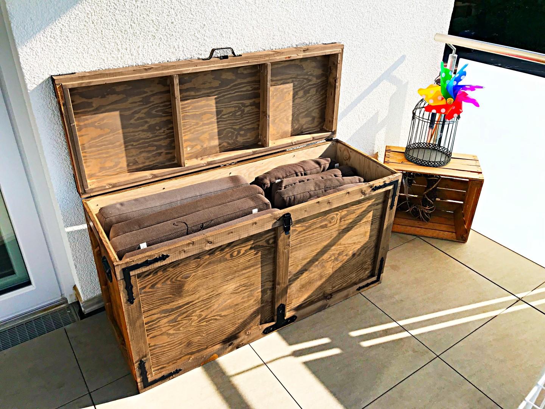 DIY Anleitung zum Bau einer Auflagenbox Kissenbox